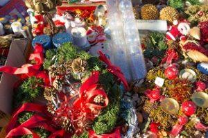 Cadeaux de Noël moins chers : pourquoi ne pas essayer les brocantes ?
