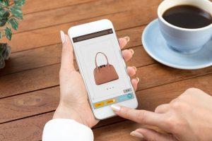 Read more about the article Mode en ligne : 4 sites pour troquer vos vêtements